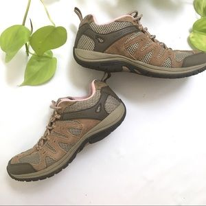 Merrell | Womens Hiking Lilac Tan Lace-Up Size 9